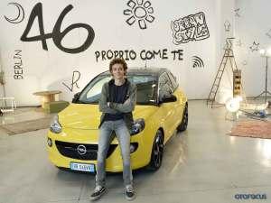 Valentino-Rossi-Opel-ADAM-001