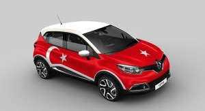 2013-Renault-Captur-country-battle-TR